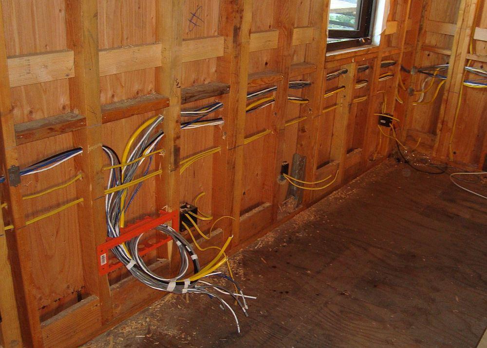 Монтаж кабеля без защиты