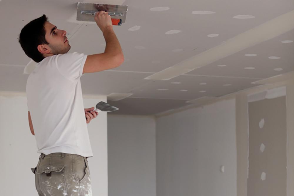 Шпаклевка швов на потолке